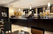 Holiday-Inn-Express-Jumeirah-bufetové-raňajky-dubaj.nadosah.sk