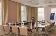 Holiday-Inn-Express-Jumeirah-konferenčná-miestnosť-dubaj.nadosah.sk